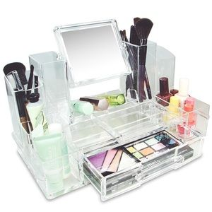 Lot of acrylic makeup organizers